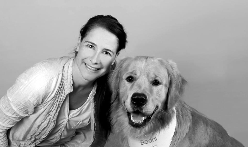 Porträt Claudia Peter-Plum mit Hund